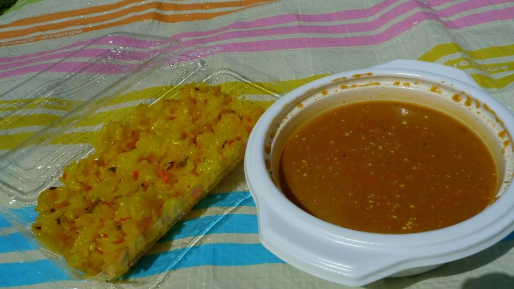 チキンカレーとインド風炒飯