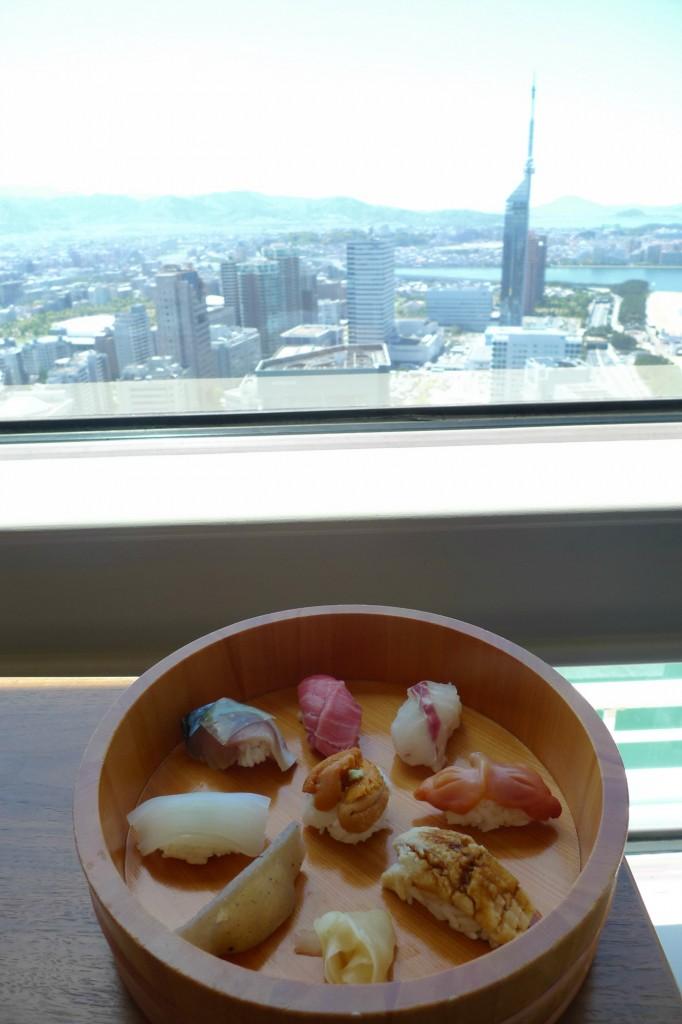 寿司と福岡タワー