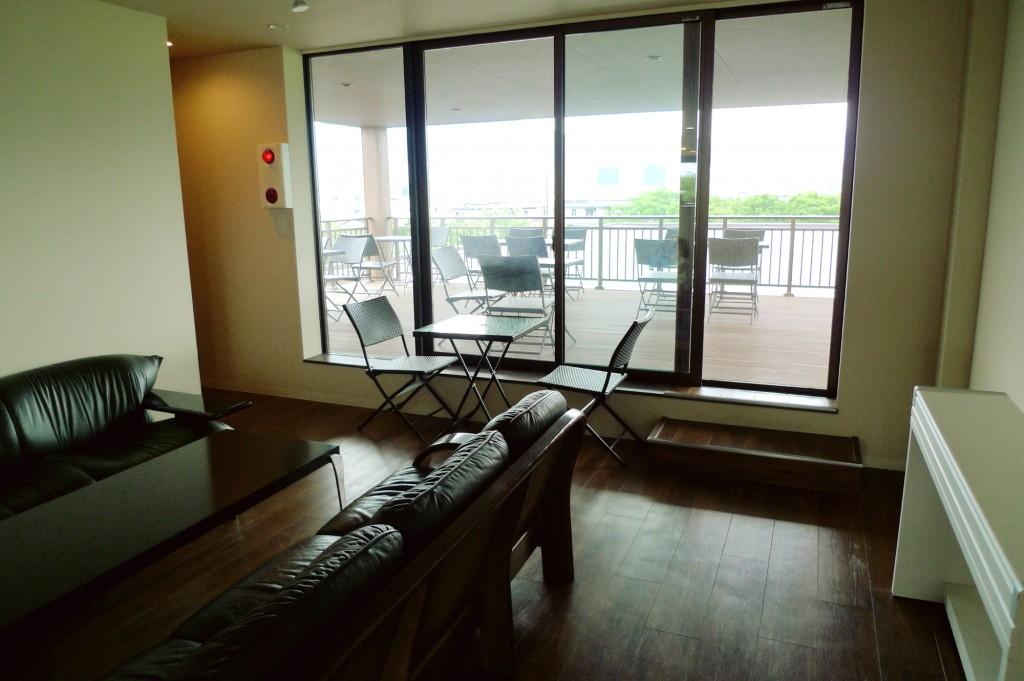 2階カフェスペース