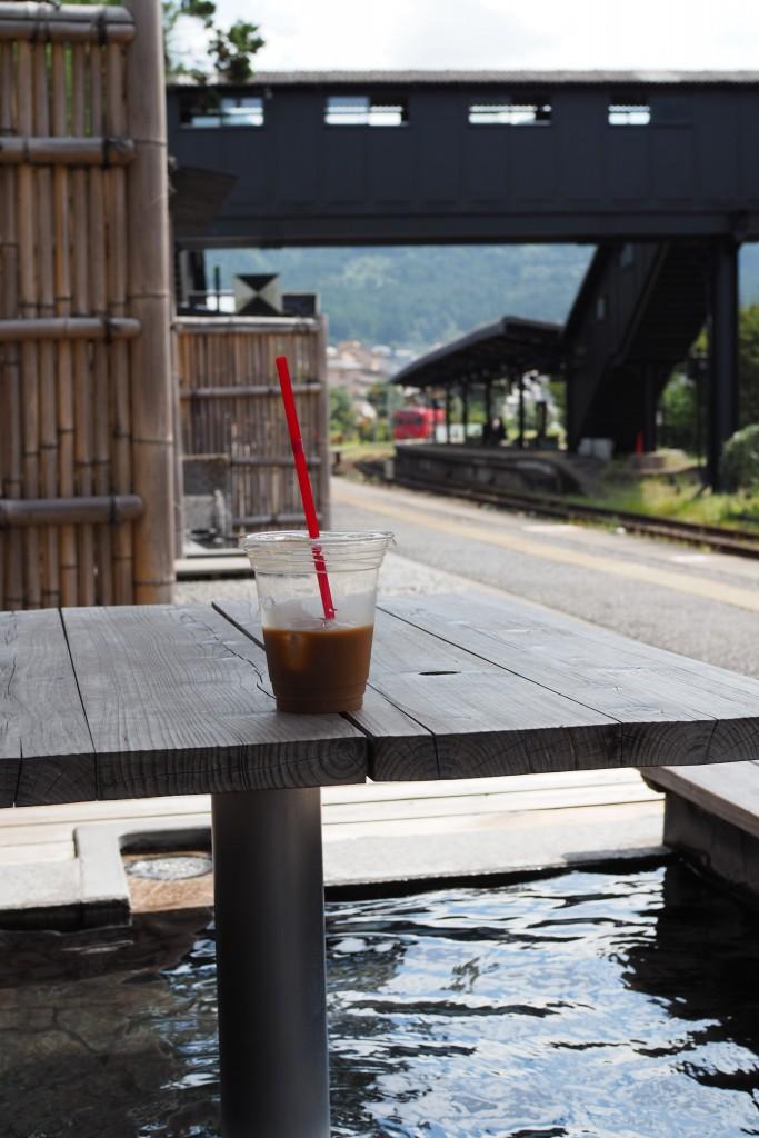 足湯とコーヒーと電車