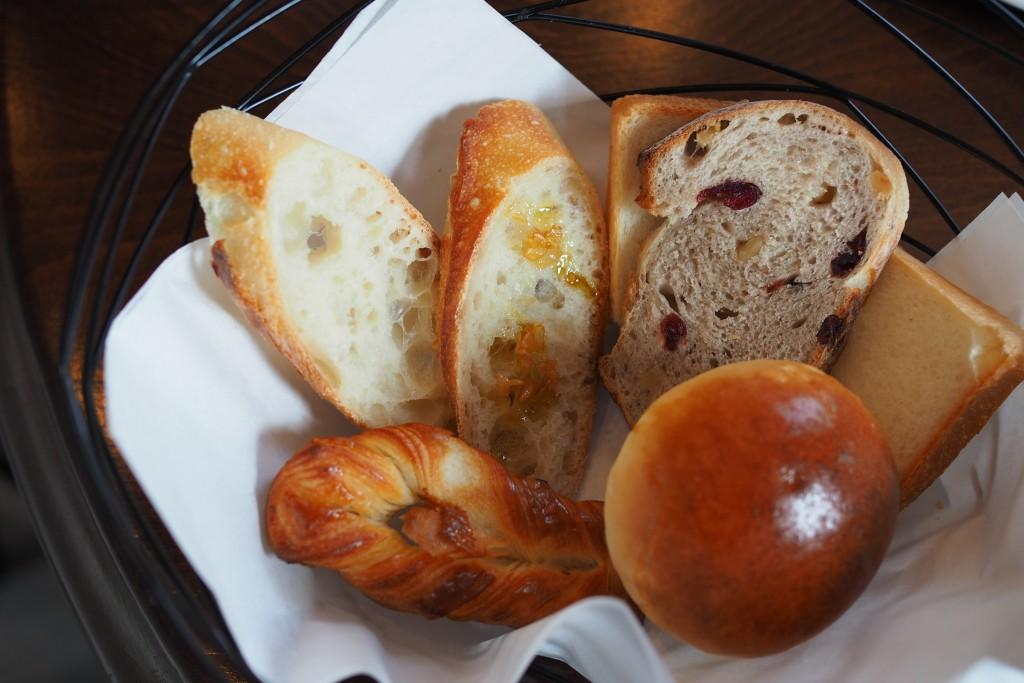 パンの盛り合わせ(1人前)