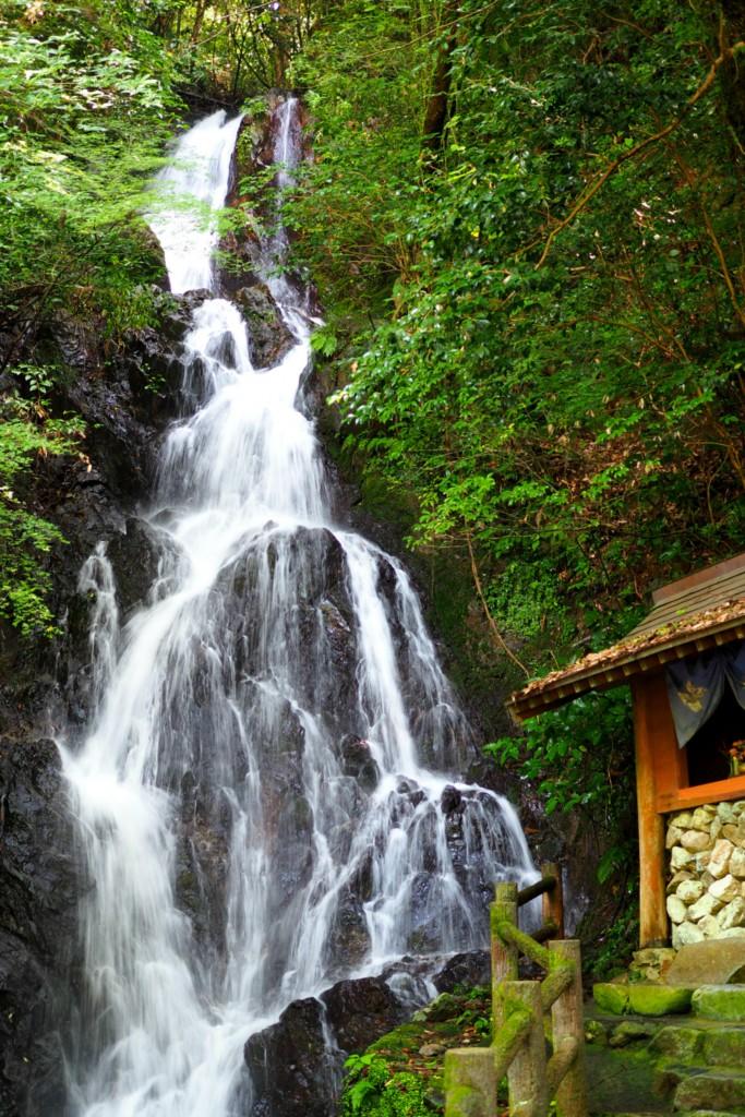 調音の滝は天然のクーラー