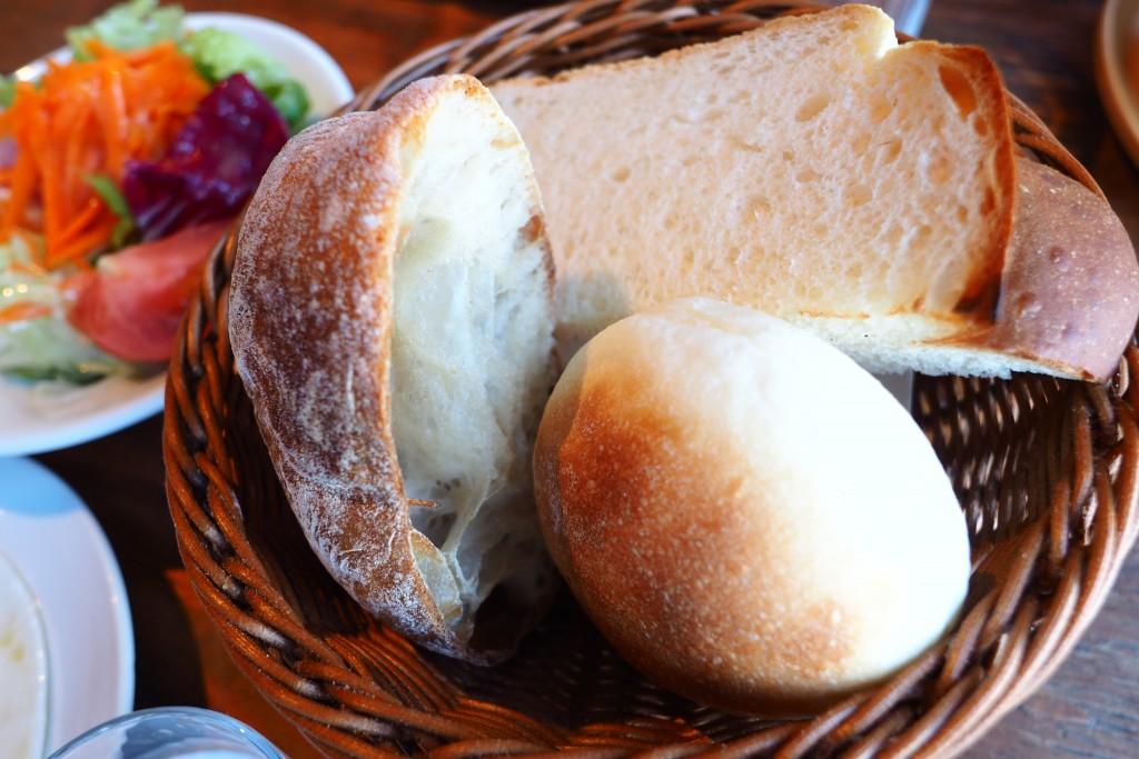 本日の焼き立てパン3種