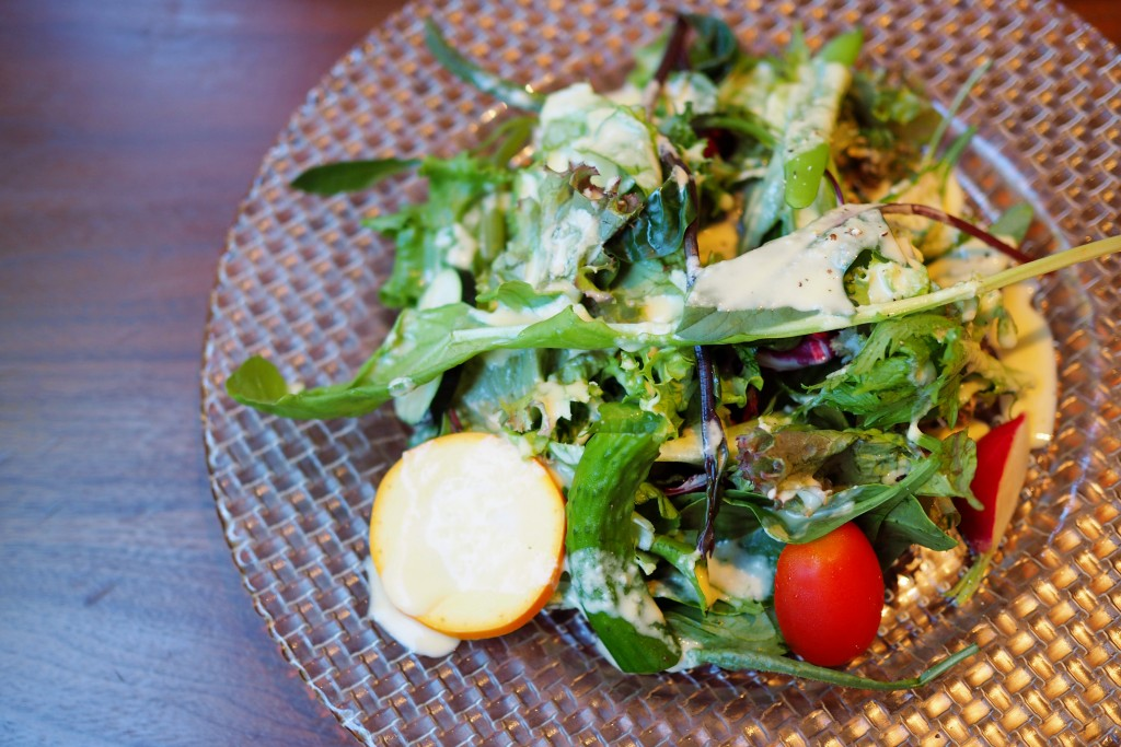 糸島野菜がたっぷりのサラダ
