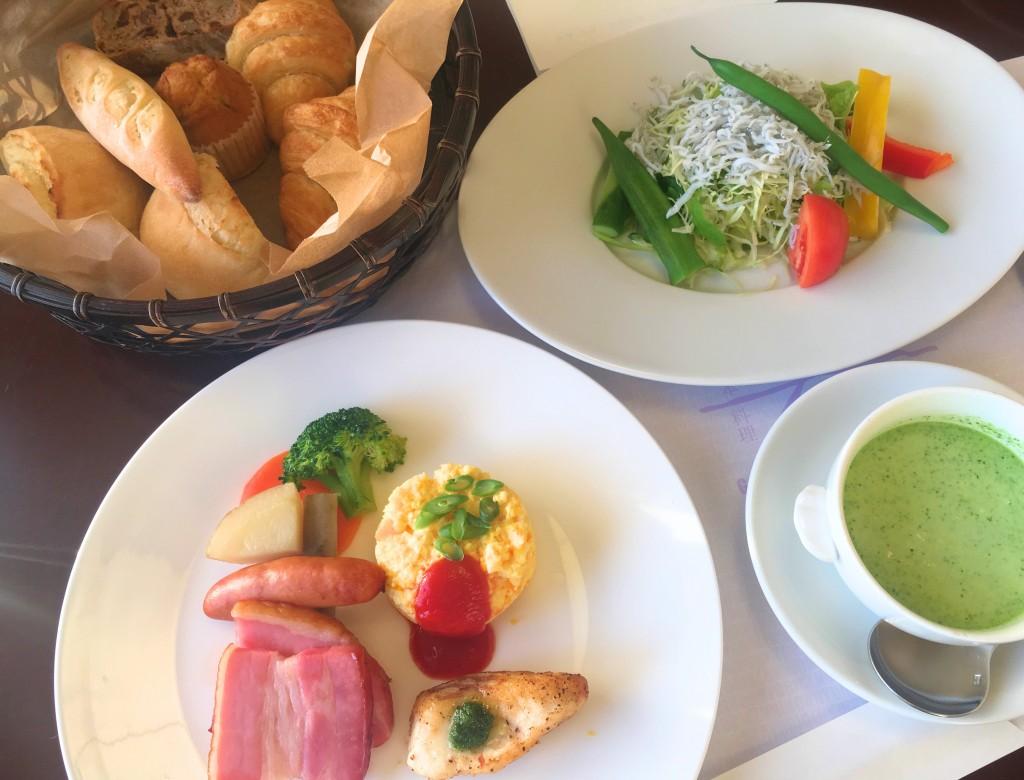清海の朝食