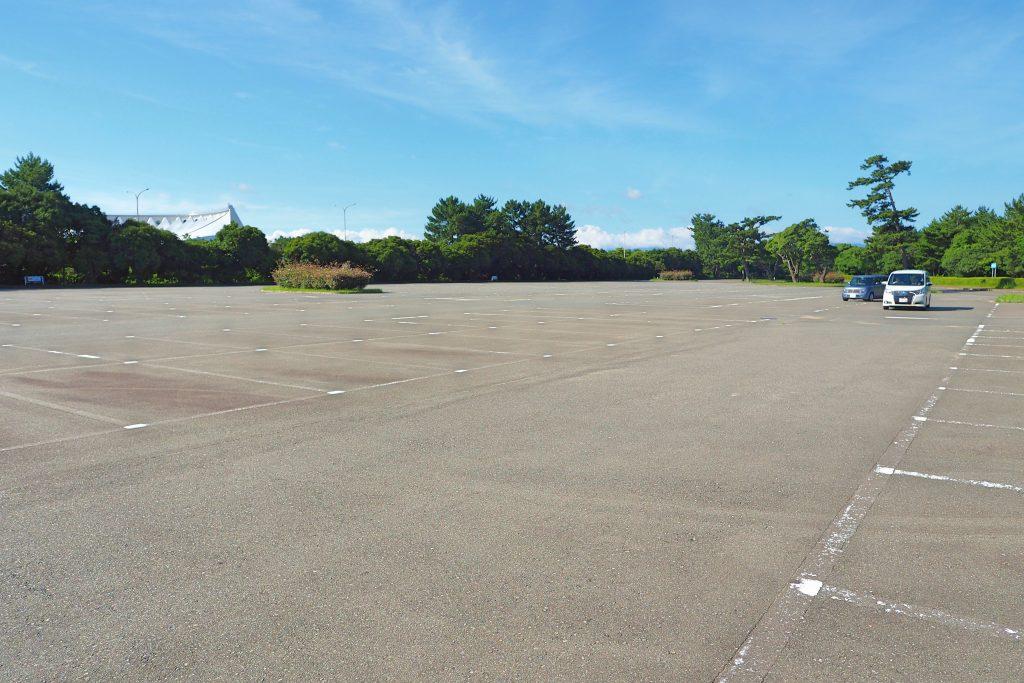 海の中道駅口駐車場