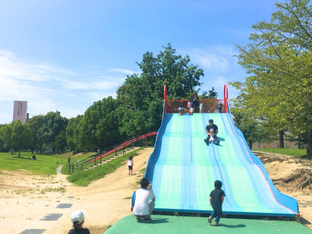 箱崎公園の滑り台