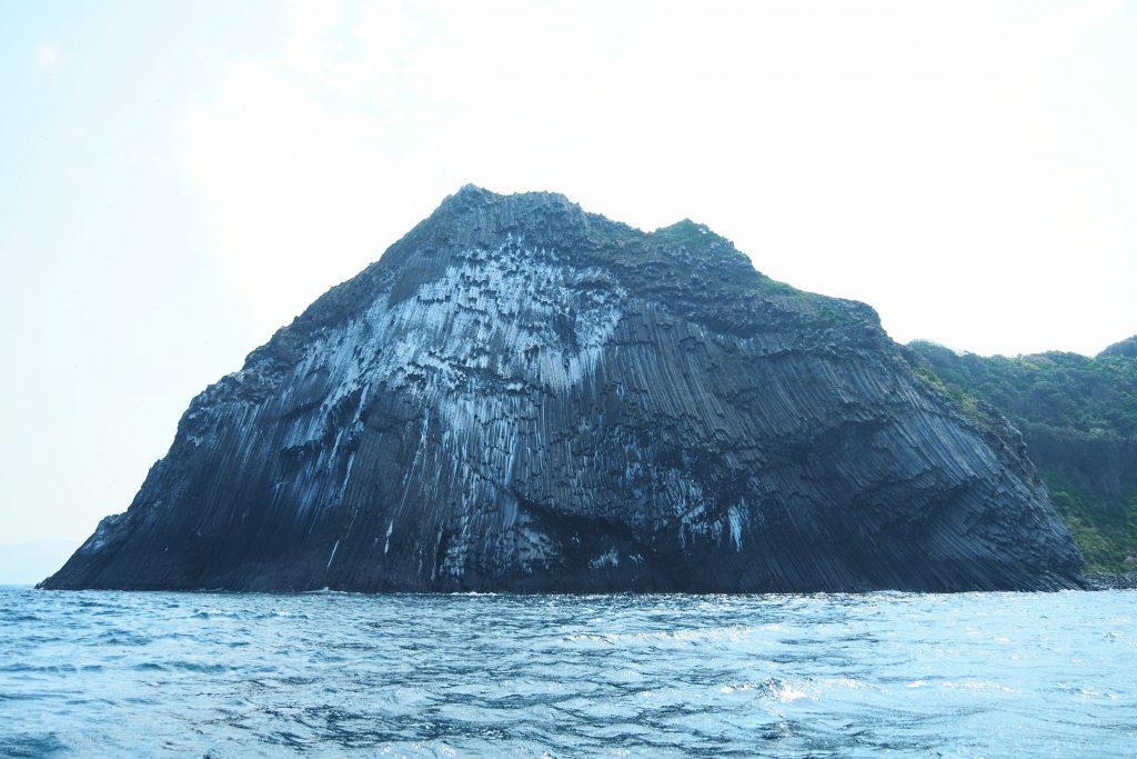 そそり立つ断崖