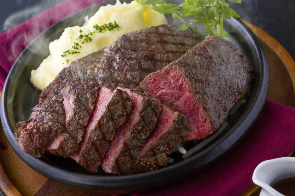 ④バーベキュー サーロインステーキ自家製BBQソース