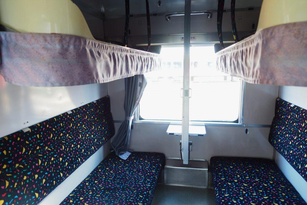 14系寝台客車の車内