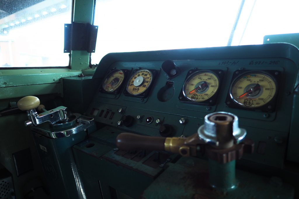 クハ481-246の運転機器