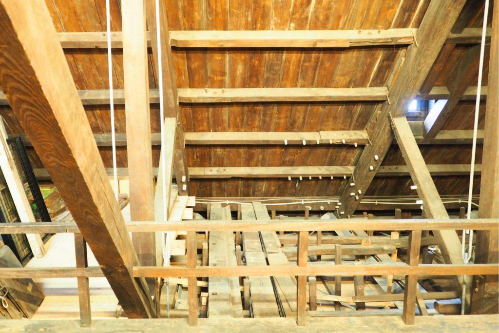 門司港駅の屋根裏