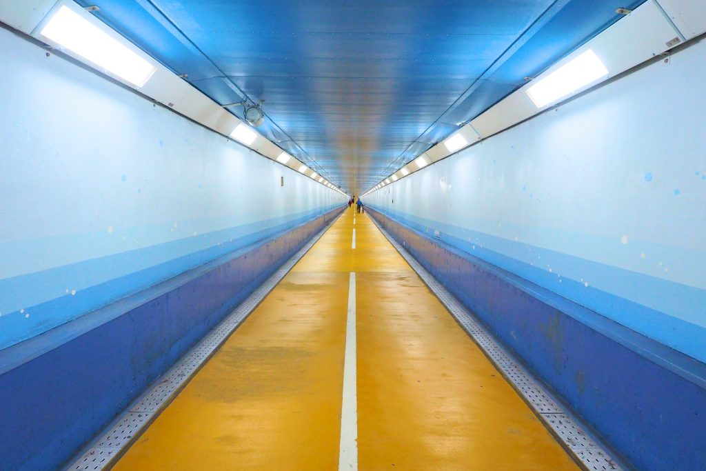 全長780メートルの歩行者用海底トンネル