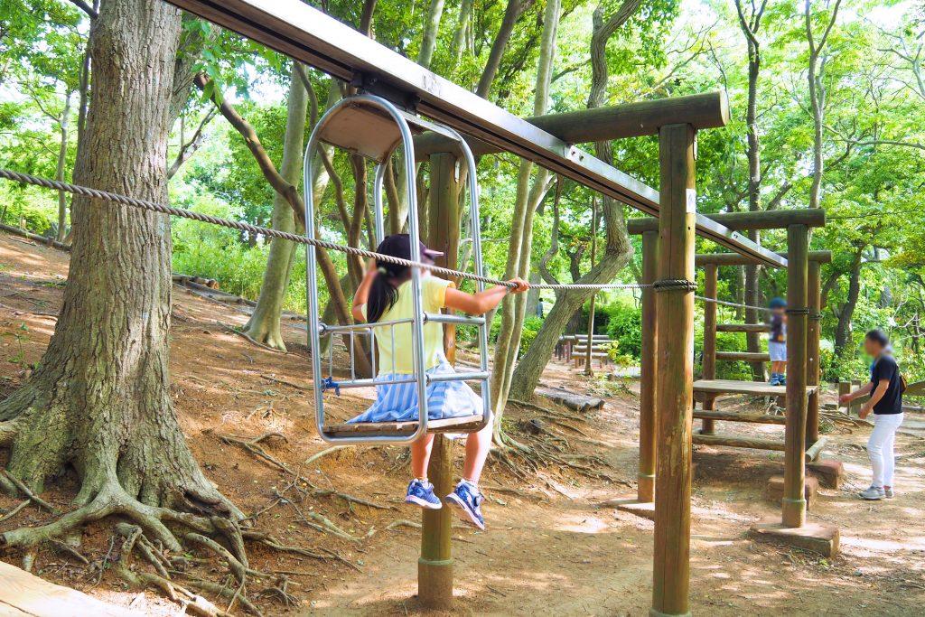 冒険の森のアスレチック遊具