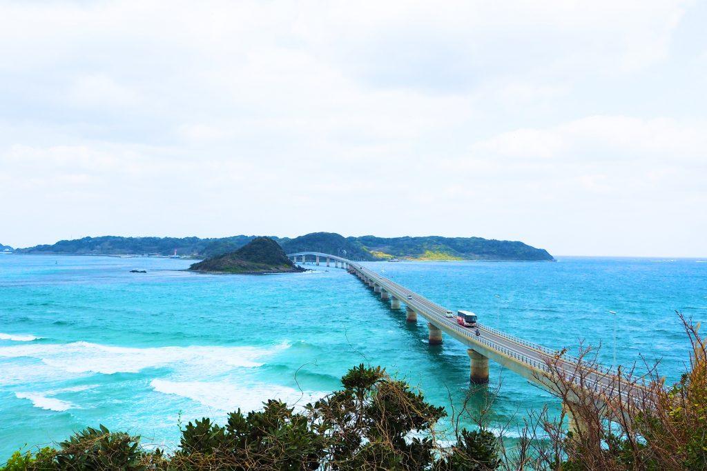 展望台から見た角島大橋