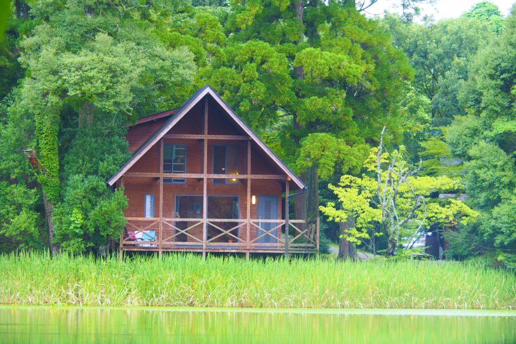 池の山キャンプ場のロッジ「なでしこ」